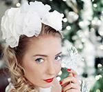 Ślub zimą: Panna Młoda w świątecznej scenerii - sesja zdjęciowa