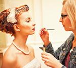 Fryzura i makijaż w stylu vintage - niebanalna ślubna stylizacja Panny Młodej
