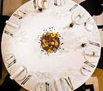 Jesienne stoły weselne. Dekoracje i aranżacje ślubne na stołach